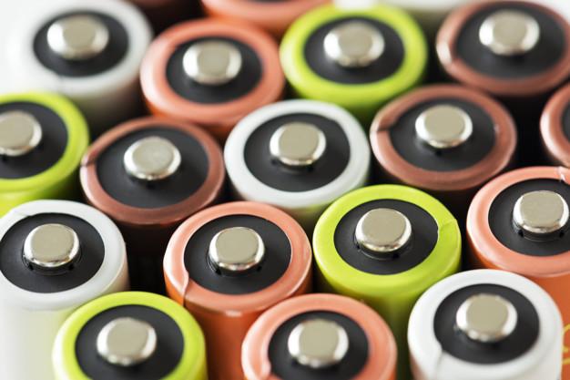 Vælg de rigtige batterier til elektronikken i dit hjem